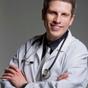 Dr. Christopher Snyder