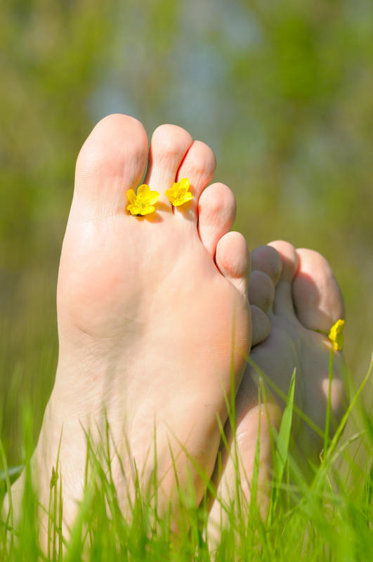 What are the causes of the sudden pain in the arch of your foot?