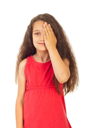 My 6 year old has rubbed Vicks vapor into eyes what do I do?