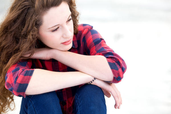 What are the causes of extended stomach, sharp dull pain, and missed period besides pregnancy?
