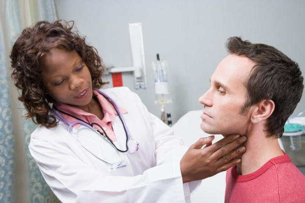 How can I tell the difference bwtn anemia and thyroid problems?