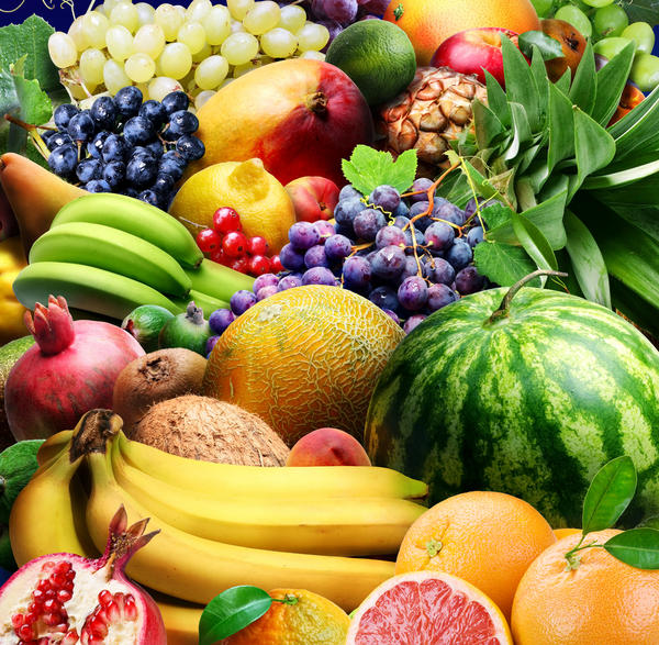 Can you be allergic to bananas, cantaloupe, tomatoes, avocados and bell peppers? My mouth, lips and throat get itchy. Sometimes red too. No resp sx