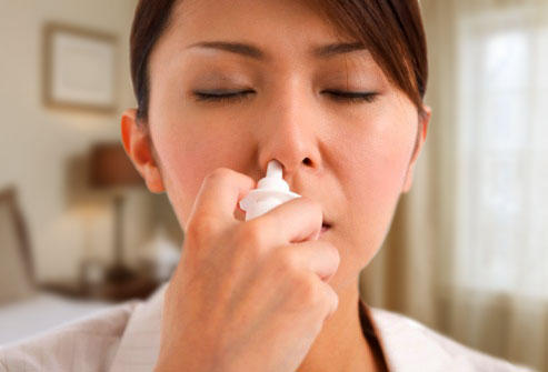 Can you please tell me how saline nasal spray and nasal decongestant differ?