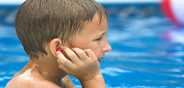 What are ways to keep from getting swimmers ear?