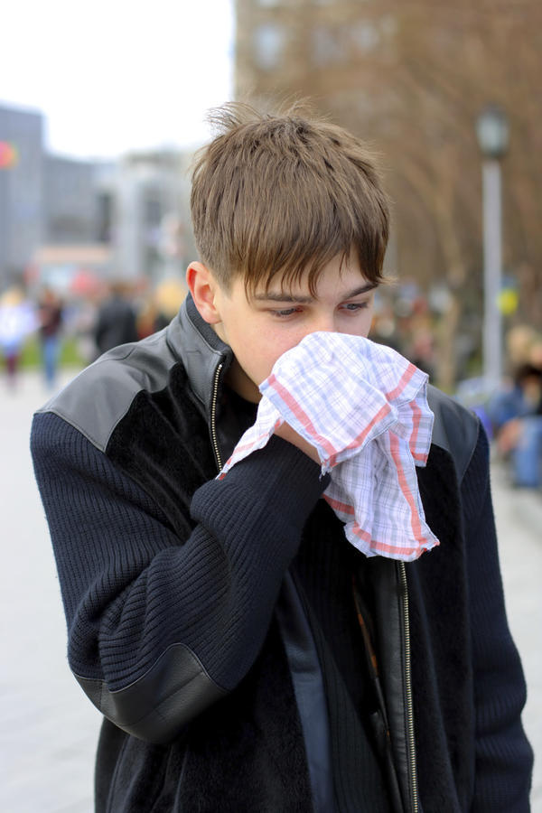 What are some home remedies for sinusitis?