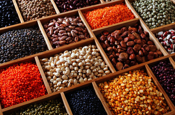 R black beans low in sugar and safe for diabetics to consume? What r other beans that diabetics can eat?