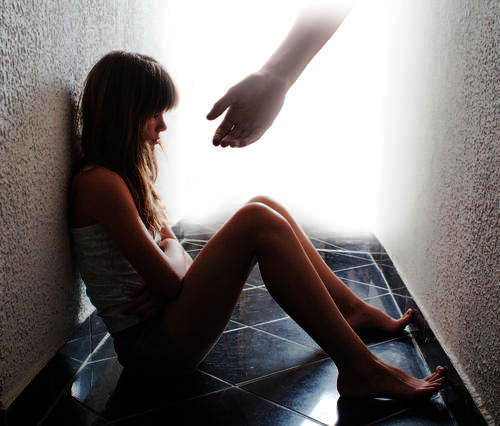I want to suicide because iam a failure and always fear and depressed is there any treatment to overcome this and how to make myself positive please help?
