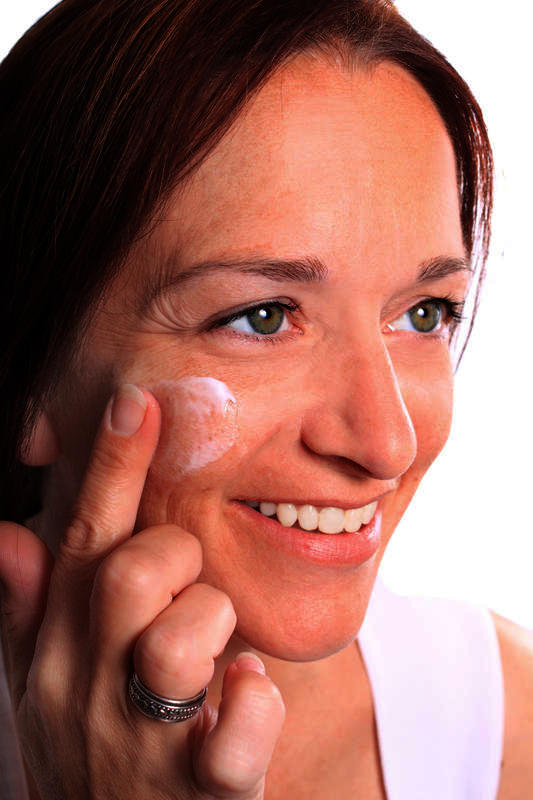 What's is an effective means to treat/conceal rosacea?