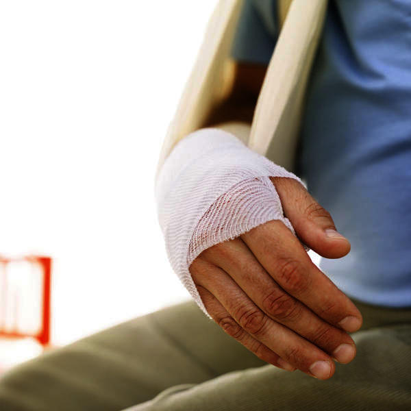 How long is it supposed to it take for a broken bone in your hand to recover?