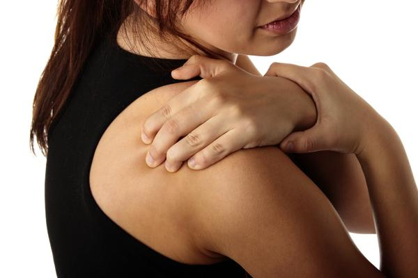 What does a pinched nerve in the shoulder feel like?