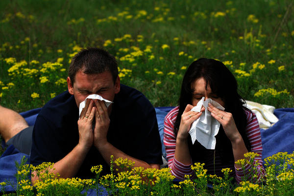 How do I get rid of hay fever? Does this require a visit to the urgent care?