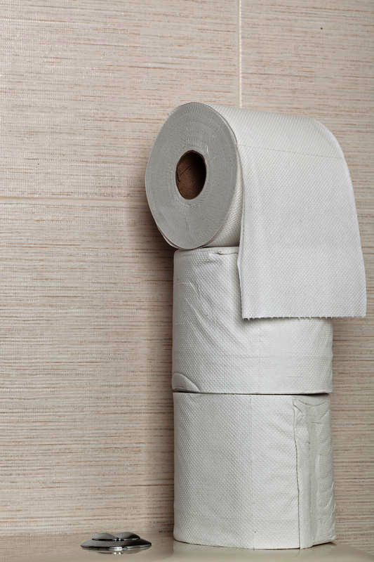 Does taking azithromycin and ibuprofen make you have diarrhea?
