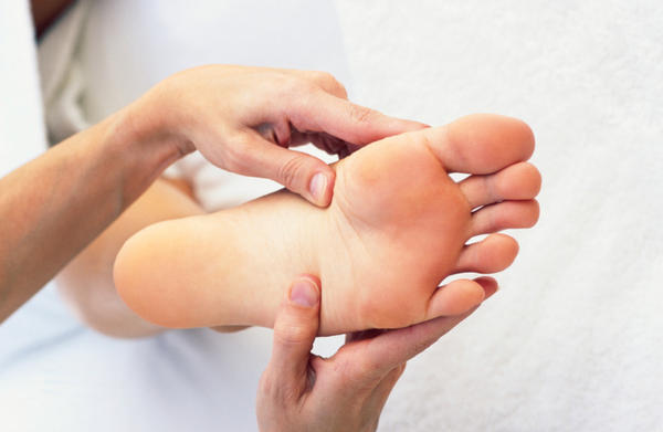 M havng pain in the arch of my feet whenever I stand in water for some hours or take bath, it starts paining it even hurt so bad tht I can't walk?