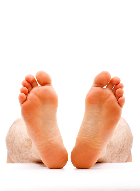 Could plantar warts cause a slight pit or hole in the bottom of your foot?