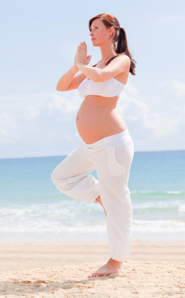Docs, could a child be born with herpes if the mother contracts herpes during pregnancy?