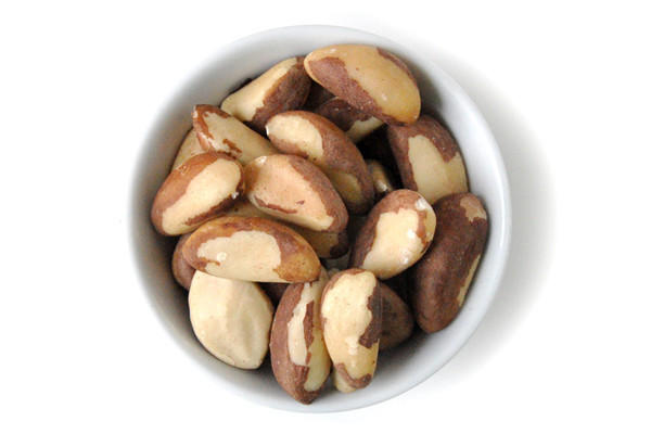 Can you tell me what number of brazil nuts should I have a day for selenium?