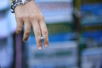 Could you tell me what are effective ways to get someone to stop smoking cigarettes?