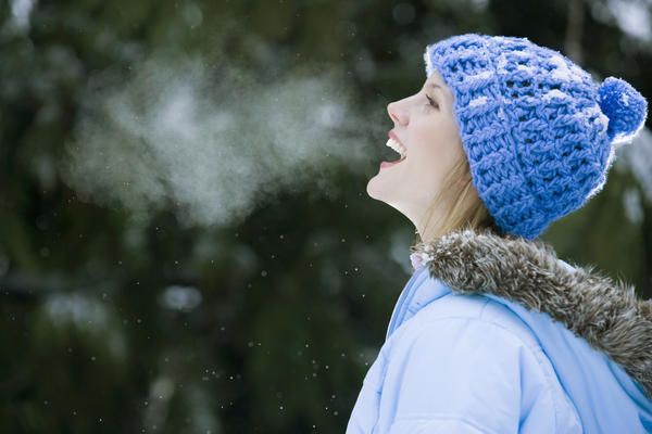 What can lead to a woman to get extremely out of breath when walking a short distance.?