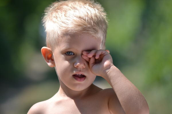 How can you tell if you have a syte in your eye? Or a more serious problem?