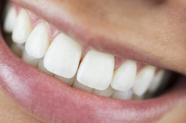 My mouth pain is in the back upper at the very back my gums are swollen and stays in on spot. I feel like I have to always chew. Is this a wisdom toot?