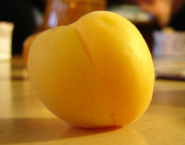 I read the other day that eating peaches, apricots, plums or nectarines could reduce insulin resistance. Any advice about how many per day?