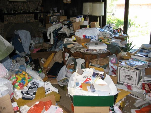 Difference between hoarding vs. Chronic disorganization (cd)?