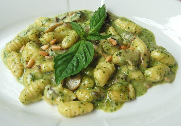 Pesto and basil allergy?  Has anyone heard of it?
