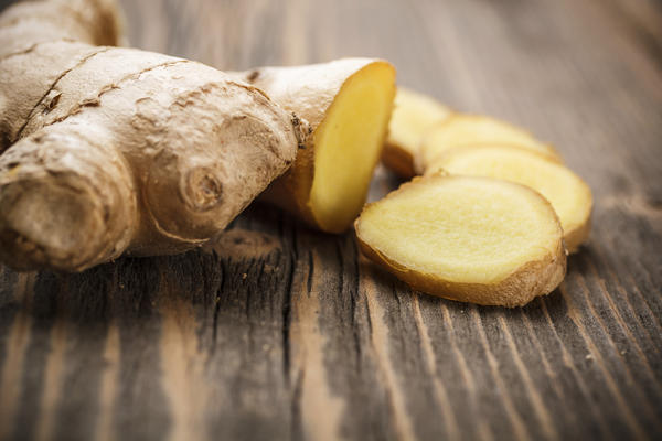 Can i drink ginger beer (26 grams- not mg- fresh ginger) in 1st trimester? I have been for m/s, but read too much ginger can cause birth defects & m/