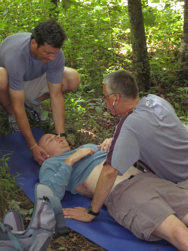 How can you give cpr to someone who may have a broken neck/back?