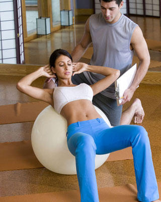 Can belly crunches damage back or cause hernia?