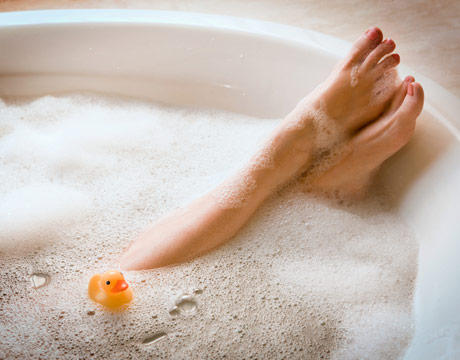 Is it safe to take a bubble bath while pregnant?