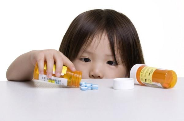 Which antidepressants, antianxiety, antipsychotics are the most effective and safest?