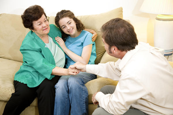 What's behavior therapy and how it is used to treat conduct disorder?