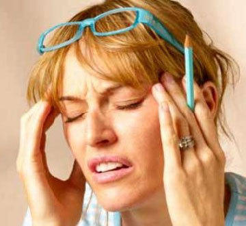 Episodes of sudden temporary (about 30 mn) loss of  hability to speak . At least one episode followed by headache. What could b the cause ?