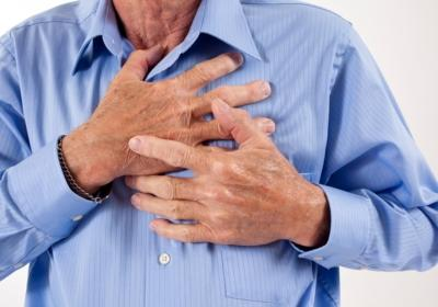 Could a heart attack cause right side chest pain that radiates?
