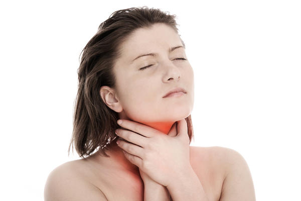 What causes muscle spasm in the throat?