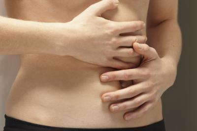 Which organ causes pain below left rib cage?