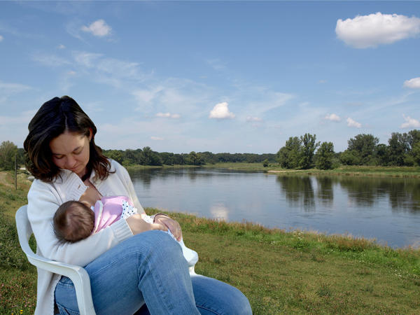 Is it safe to take metronidazole  while breast feeding