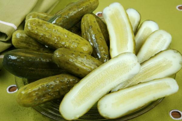 Is it true that women who are pregnant and crave pickles may have low iron?
