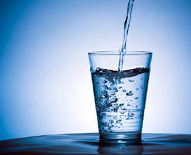 Does drinking water help with weight loss much?