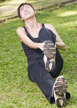 Is there a vitamin deficiency that causes leg pain, cramps?