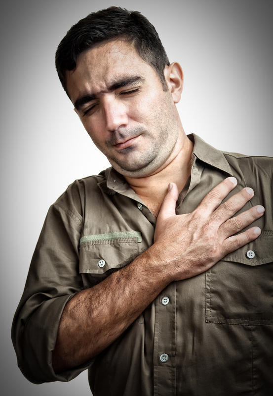 What are the symptoms of pneumonia in adults that doctors will help?