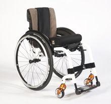Does everyone with Parkinson's disease end up in a wheelchair?