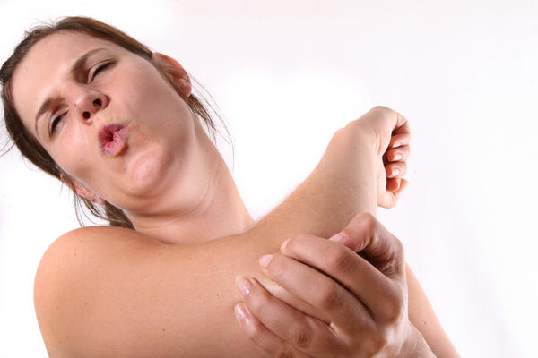 What are the signs of a dislocated elbow?