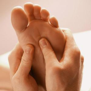 Is it true when they massage a pregnant womens feet they go into labor?