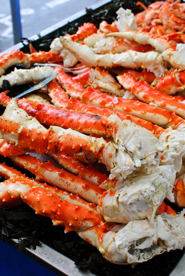 Is it true that king crab legs have high cholesterol?