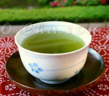 Can drinking green tea with antioxidants for the first time cause me to get a cold?