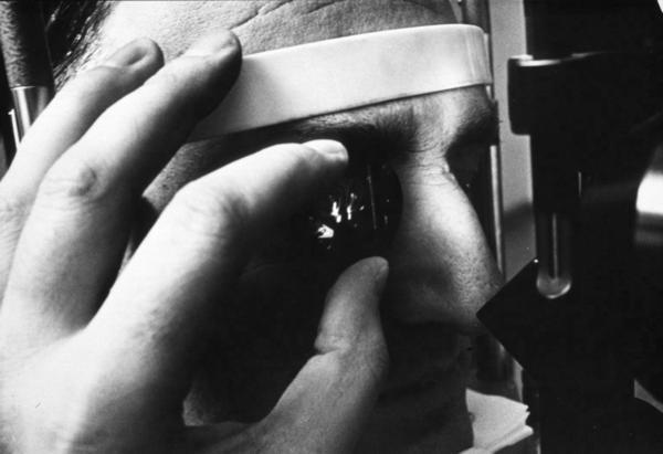 How do you know if you have retinal detachment?