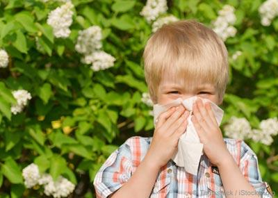 How can you tell it's allergies? I wonder if my kids are allergic. Young twins; some rashes and sneezing. What are the first signs of allergies?