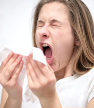 Can hot flashes be associated with seasonal allergies?